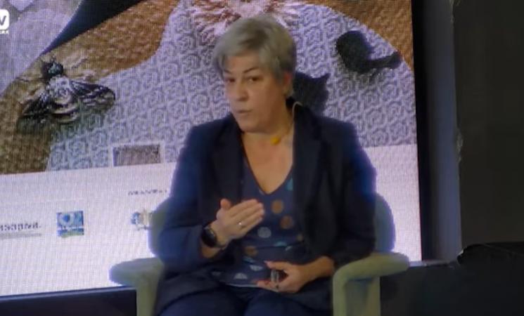 Elena Pisonero charla con Pablo Casado sobre la España despoblada